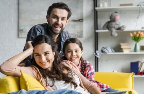 Família procurando um imóvel maior